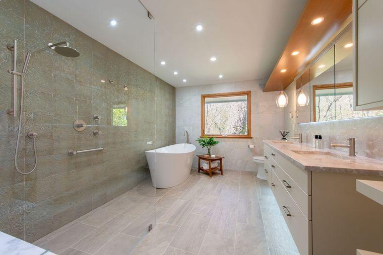 decoración cuartos de baño amplio