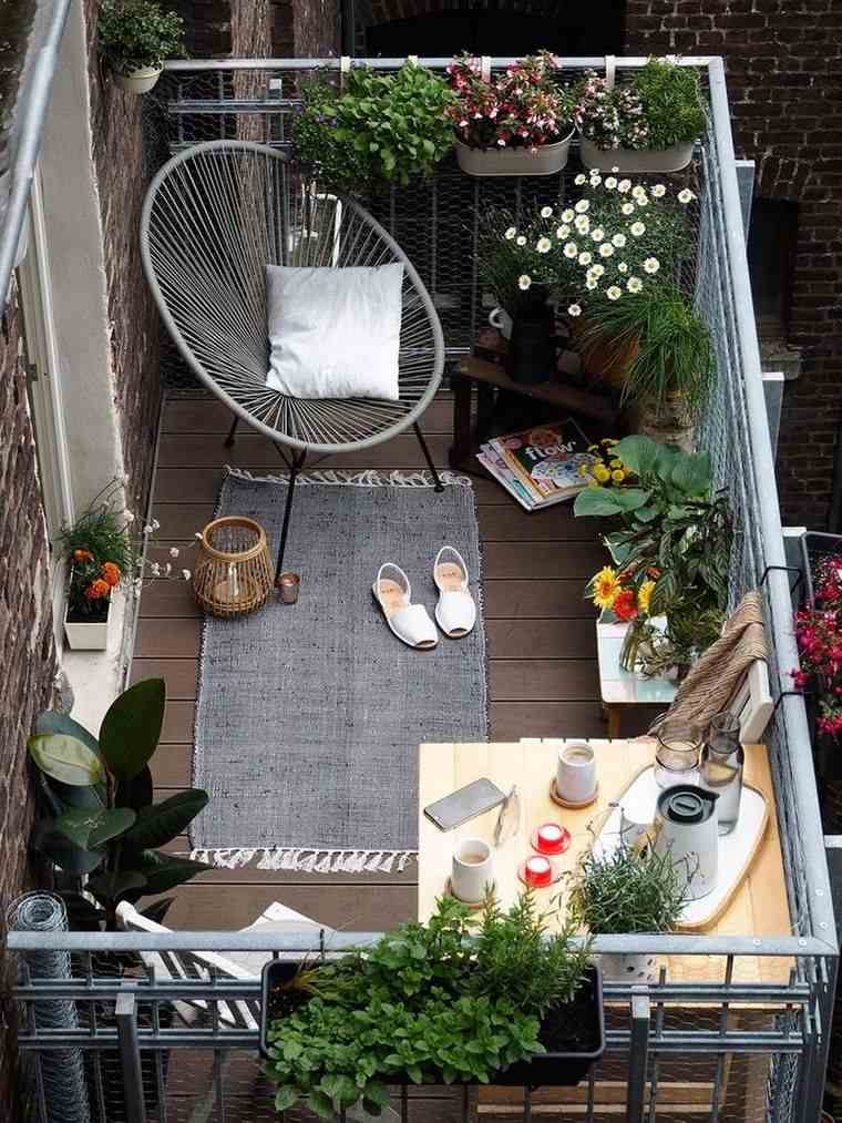 decorar balcón pequeño comodo
