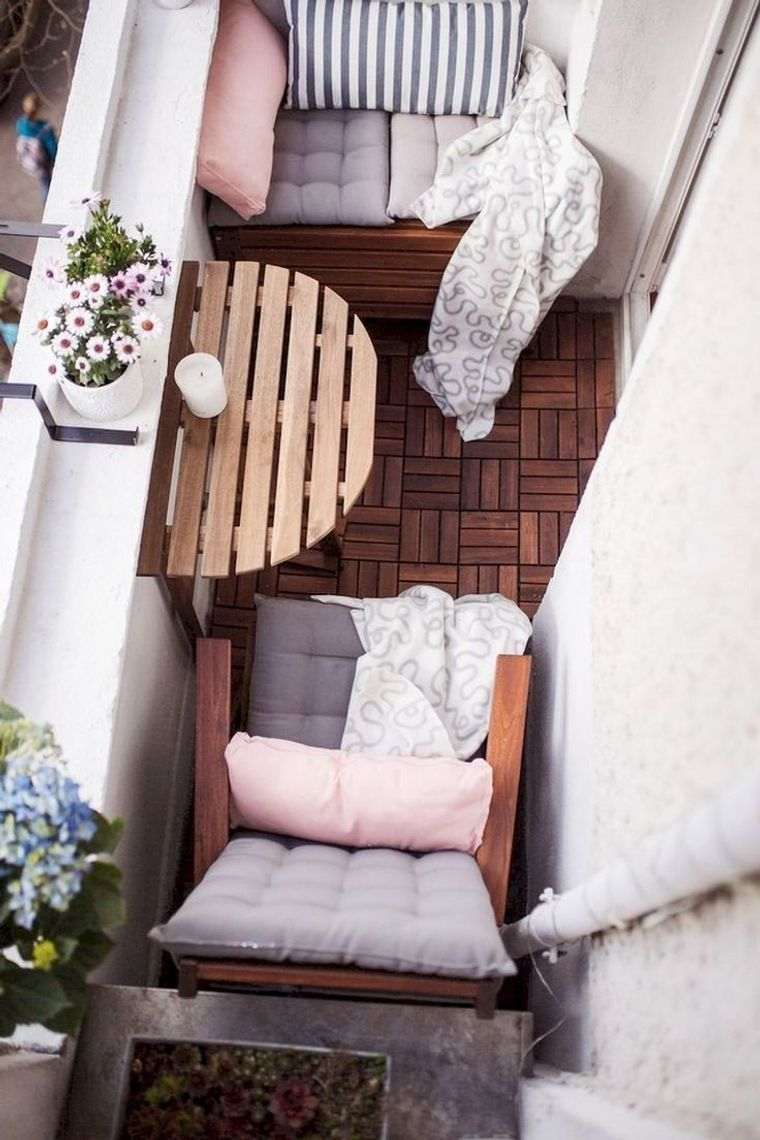 decorar balcón pequeño elementos