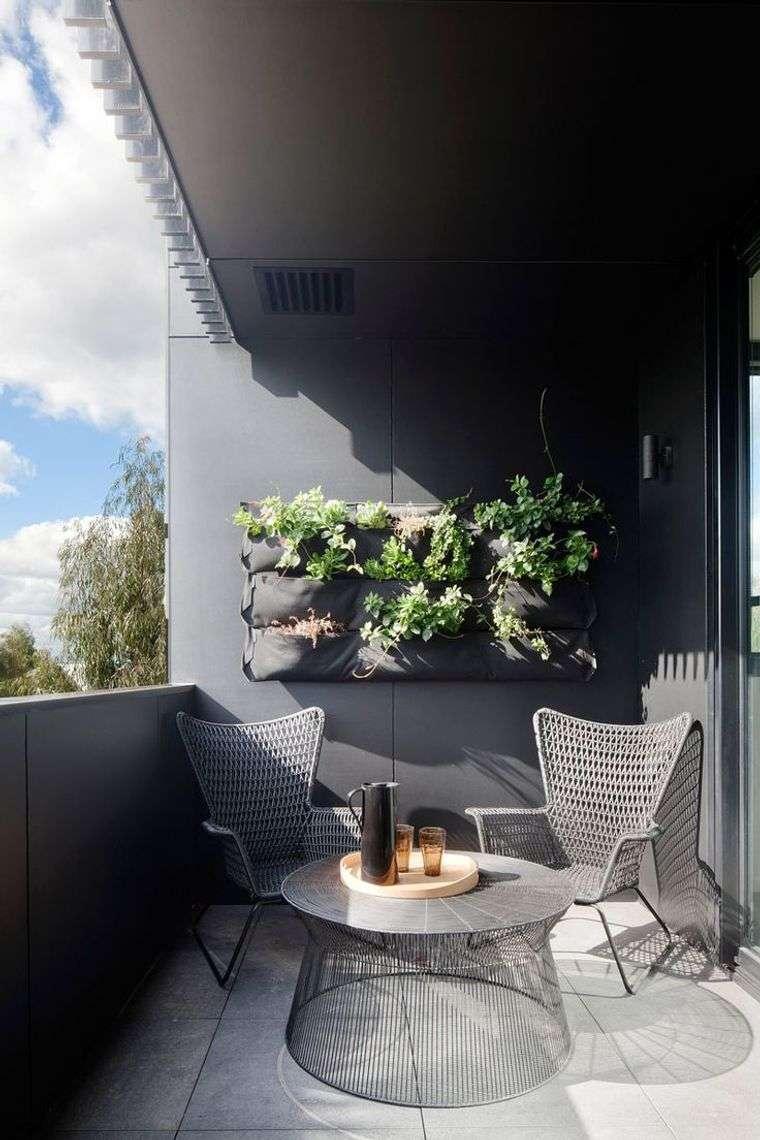 decorar balcón pequeño gris