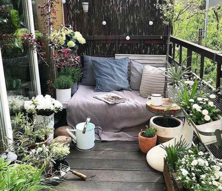 decorar balcón pequeño jardin