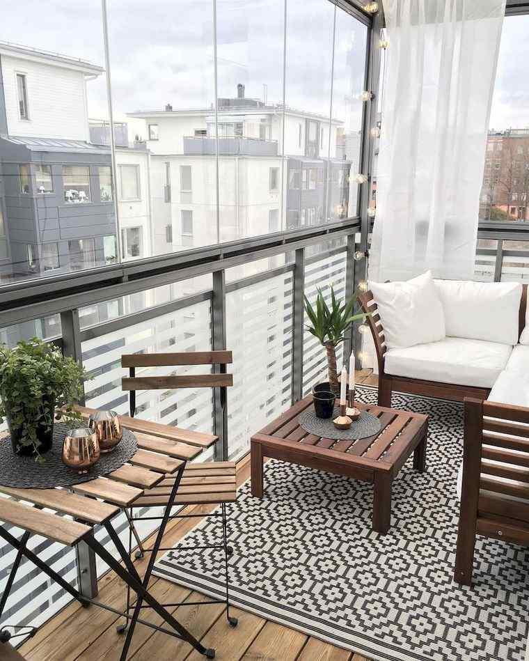 decorar balcón pequeño ligero
