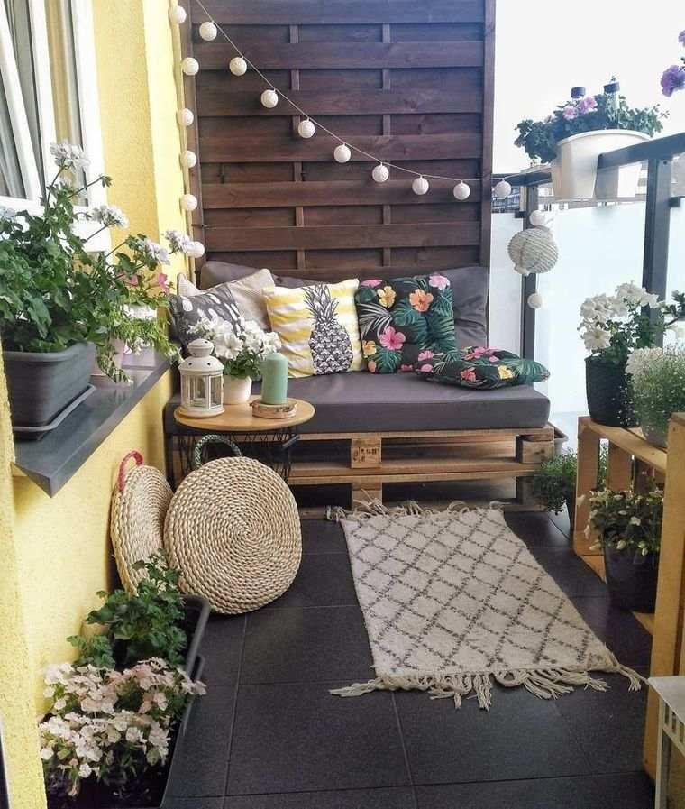 decorar balcón pequeño pared madera
