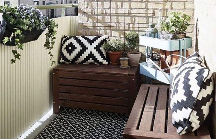 decorar balcón pequeño piedra pared