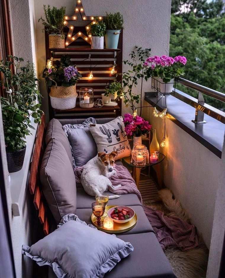 decorar balcón pequeño romantico