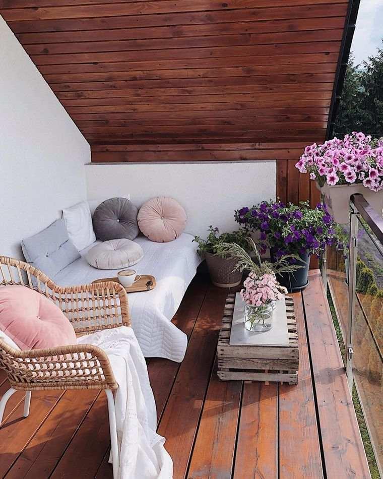 decorar balcón pequeño sencillo