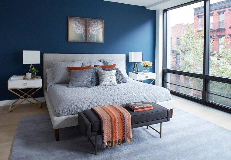 dormitorio azul-ventanas-grandes