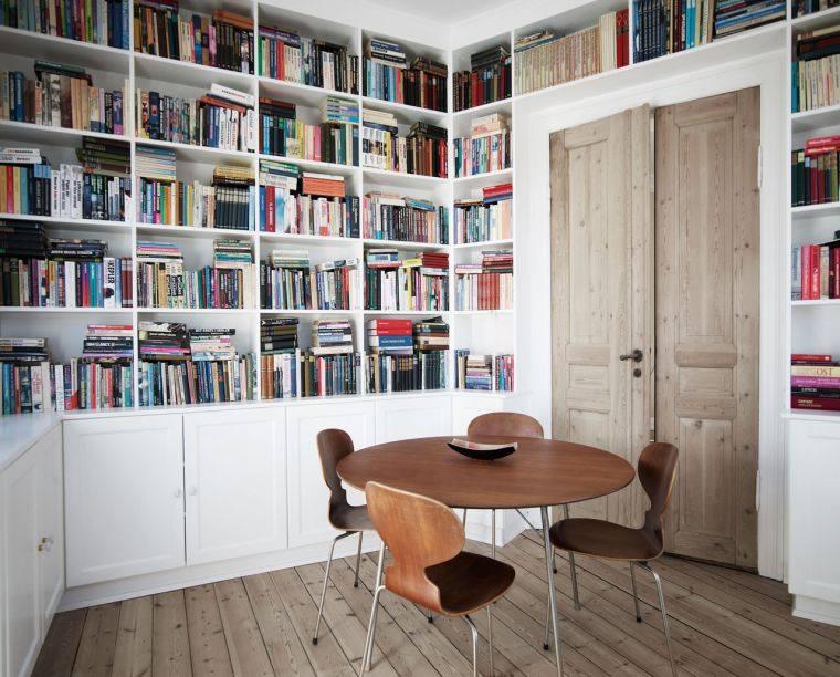 estantes modernos lectura