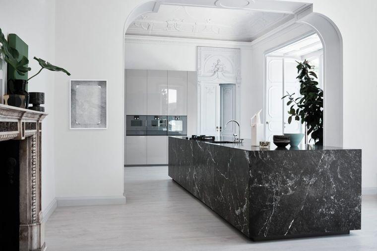 isla-marmol-negro-diseno-cocina-2020