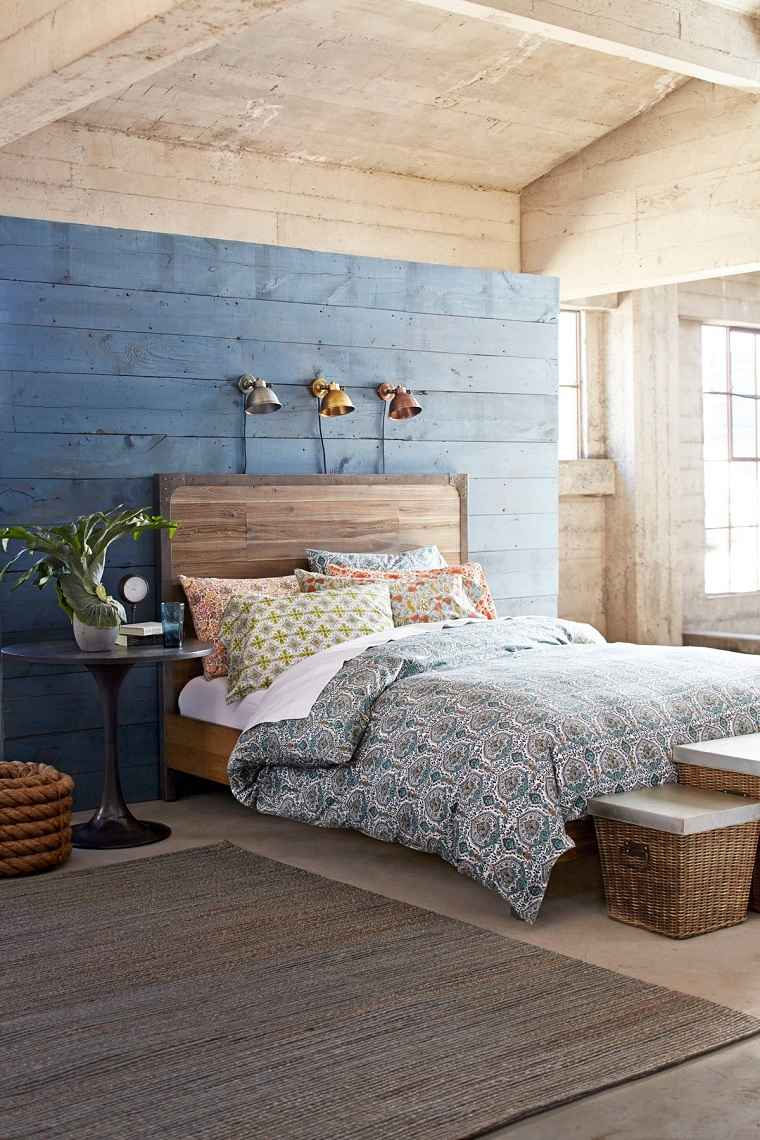 pared-madera-pintar-color-azul