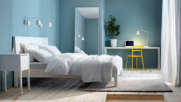 paredes-azul-claro-muebles-blancos-dormitorio