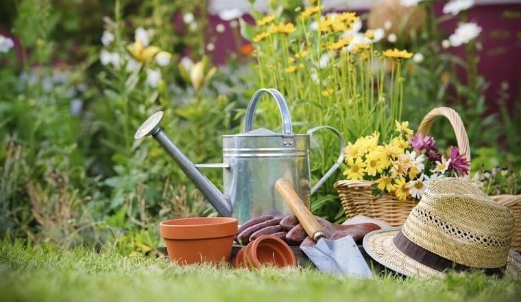 primavera-2020-preparar-jardin-instrumentos