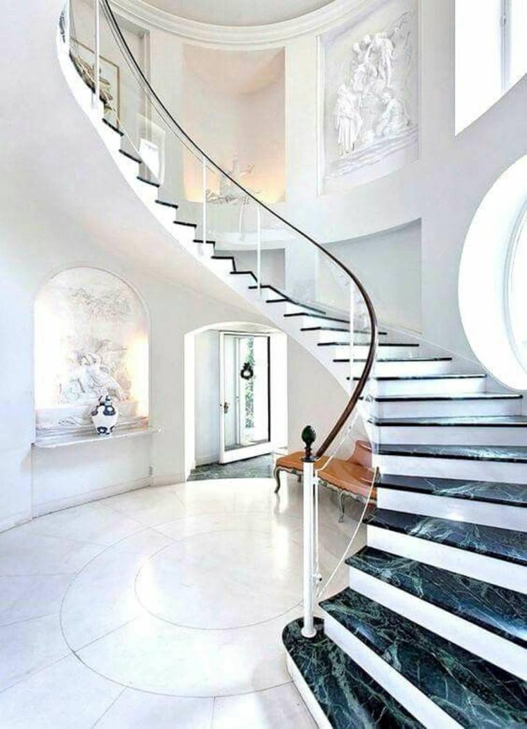 escalera curvada de mármol