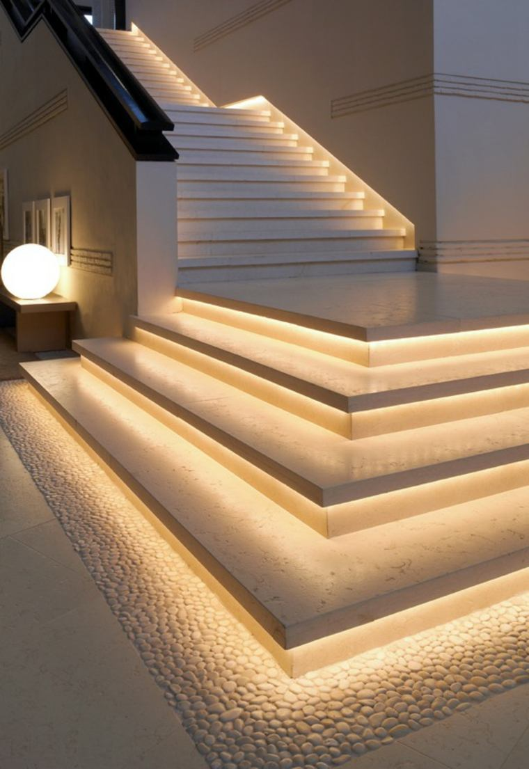 escaleras con luces led