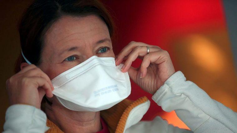 Transmisión del coronavirus-mascarillas
