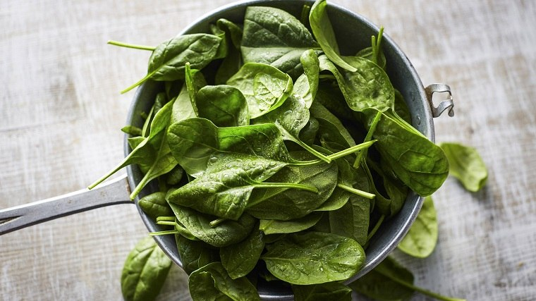 alimentos verdes-mejor-salud-espinacas