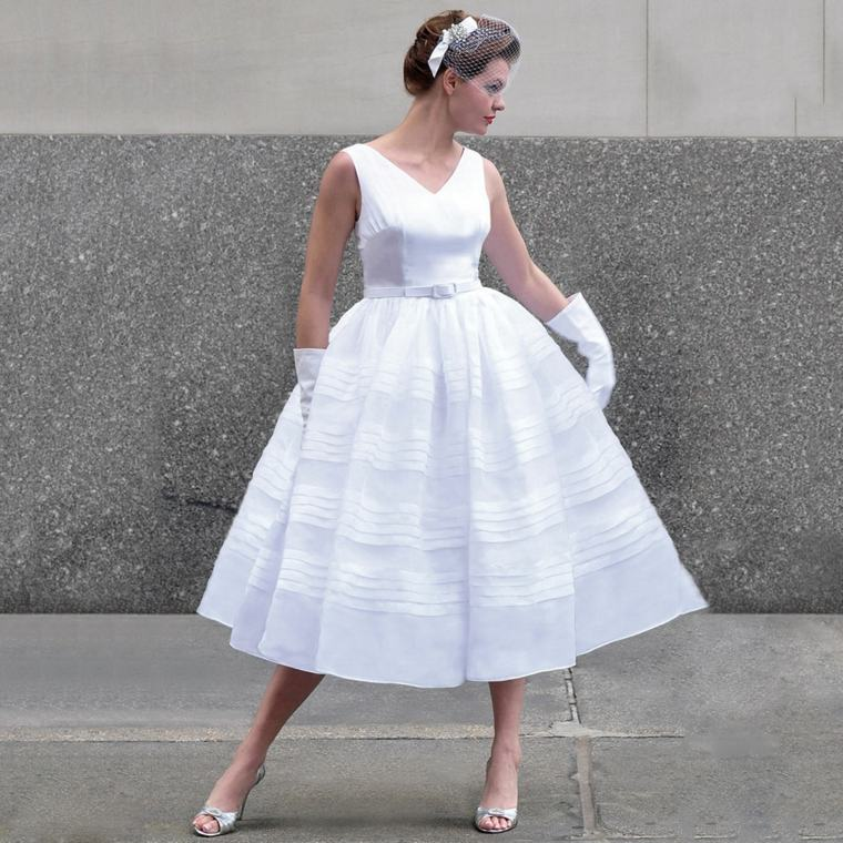 boda-vestidos-novia-diseno-anos-60