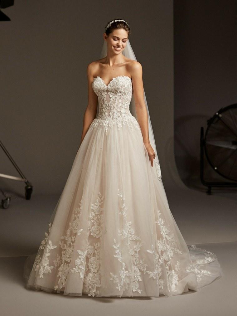boda-vestidos-novia-diseno-princesa