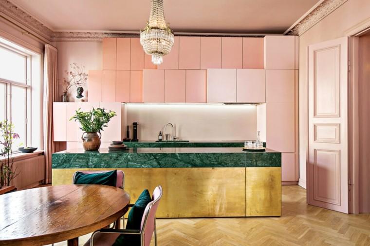 cocina-rosa-isla-metal-marmol