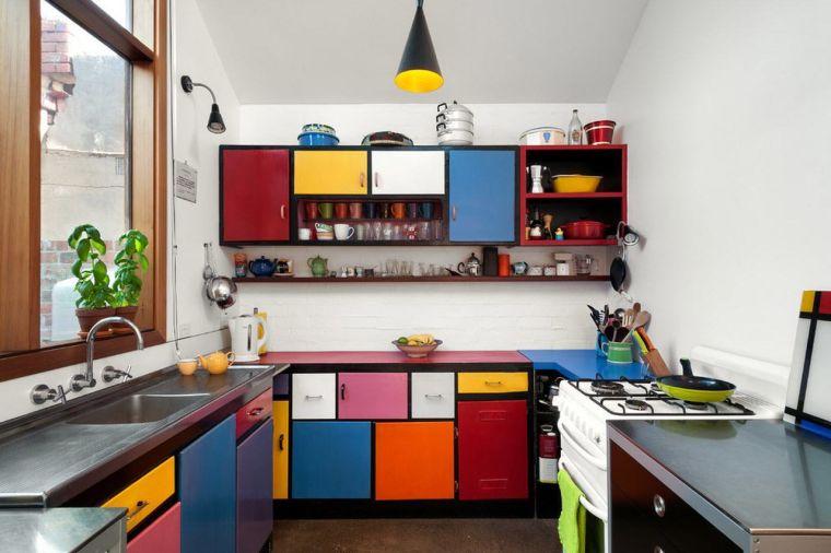 cocinas pequeñas colorido