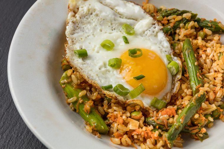 comidas fáciles arroz frito vegetales