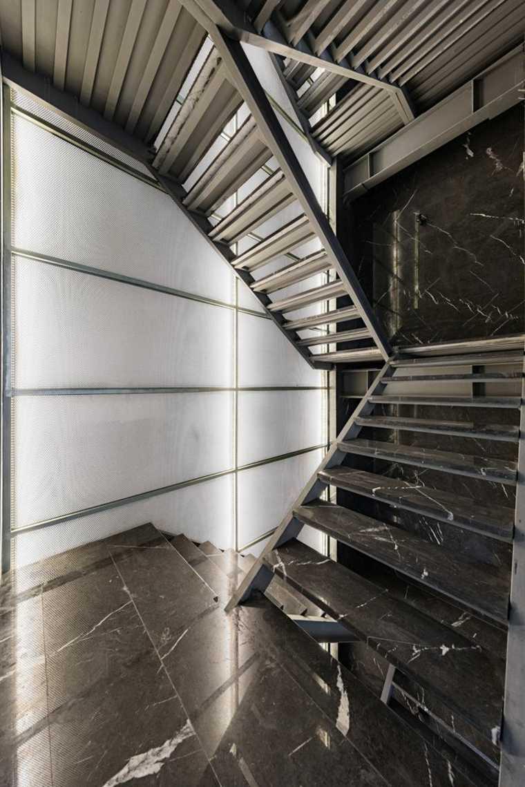 Diseño creado por Studio Saheb para un edificio de apartamentos ubicado en Teherán