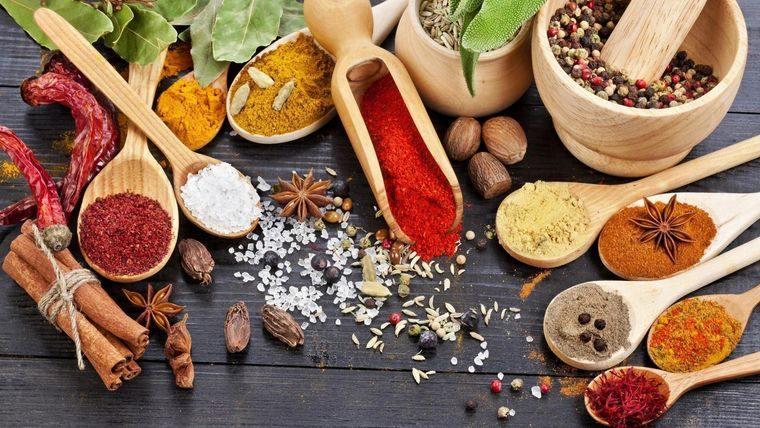 Hierbas y especias – Descubre sus propiedades y beneficios para nuestra salud