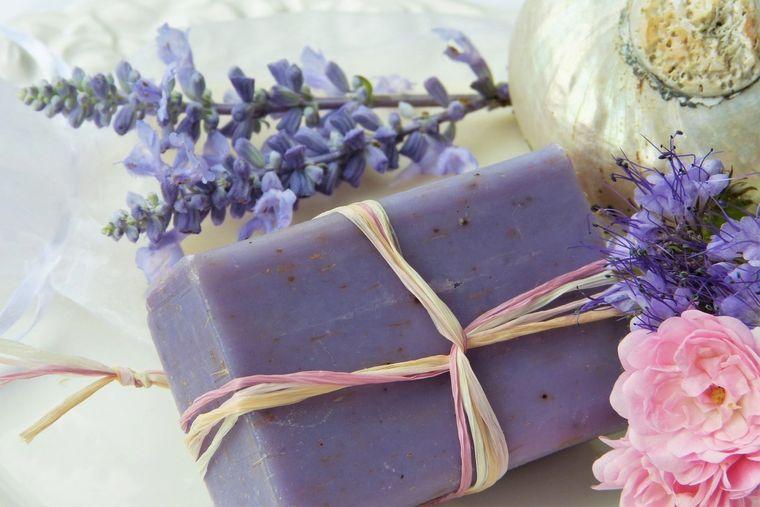 jabón casero lila