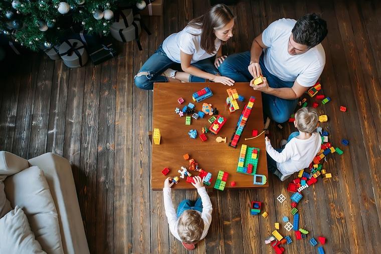 tiempo de calidad en familia-trabajar-jugar