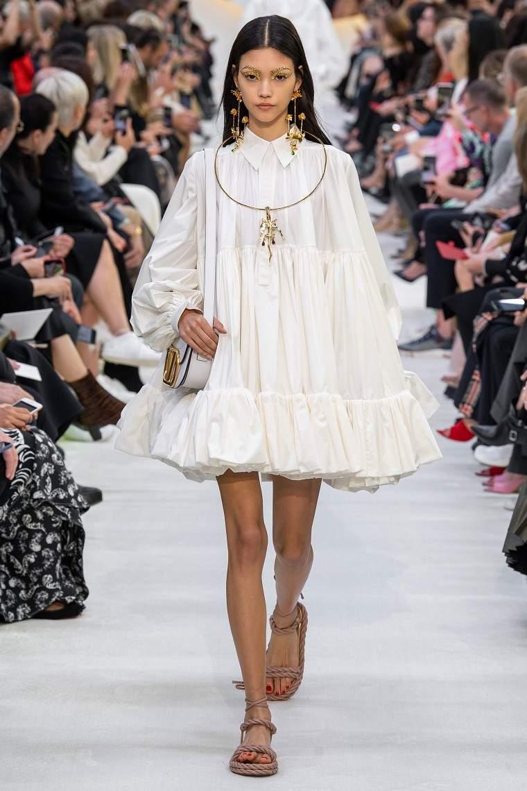 vestidos-de-moda-2020-valentino-oversize