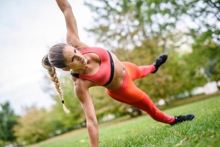 Beneficios de hacer la plancha cuerpo-sano