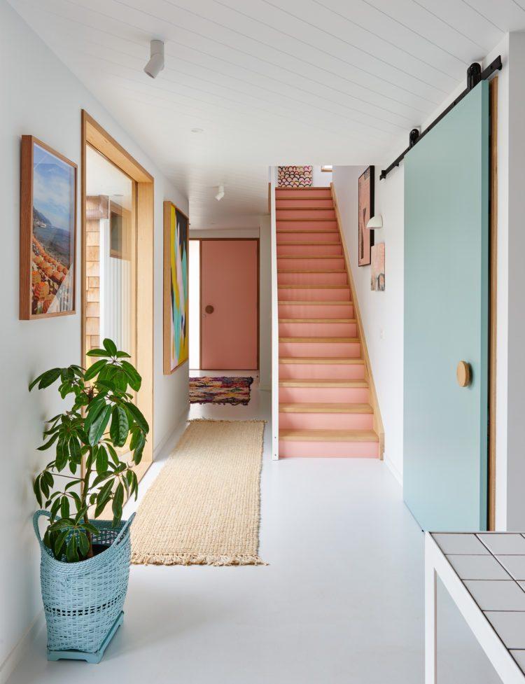 casa-escaleras-ideas-color-rosa