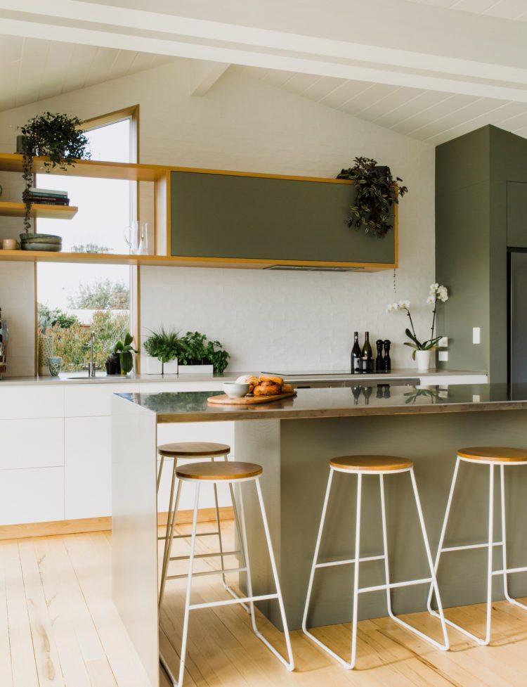 color verde-diseno-interior-cocina-isla