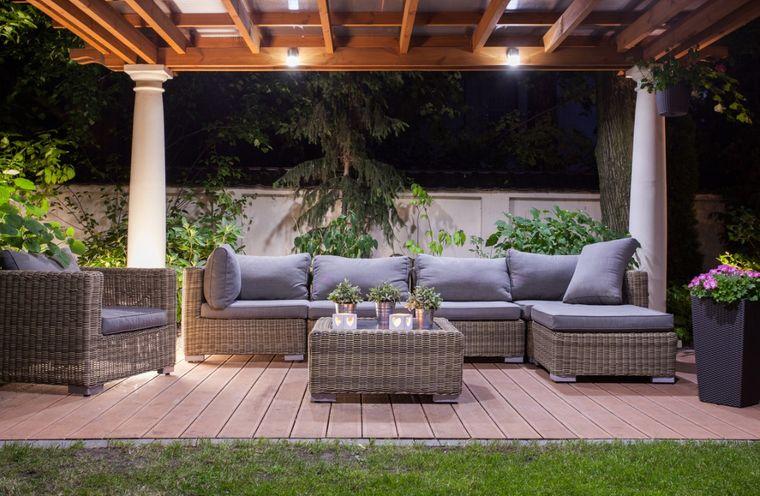 decoración de terrazas grama madera
