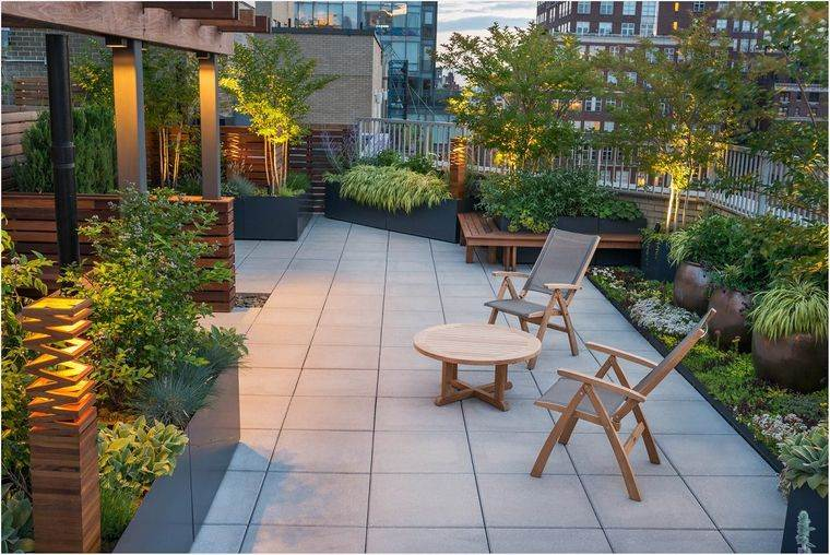 decoración de terrazas mucha vegetacion