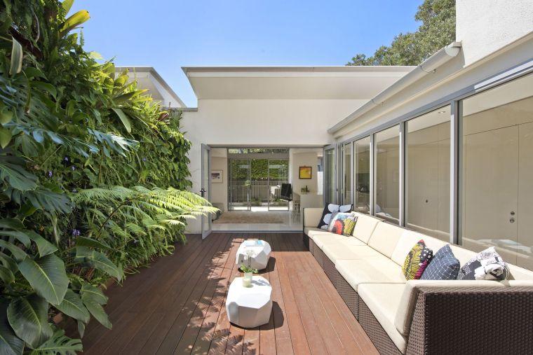 ideas-para-decorar-jardines-2020-jardin-vertical