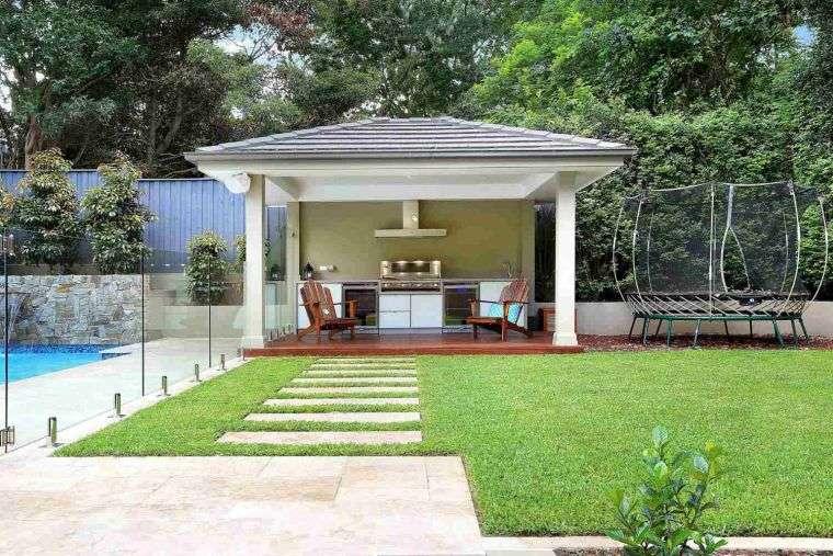 ideas-para-decorar-jardines-2020-trampolin