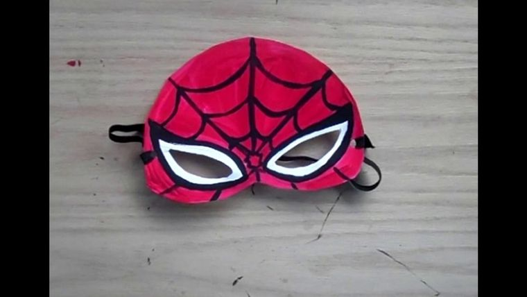 manualidades para niños spiderman