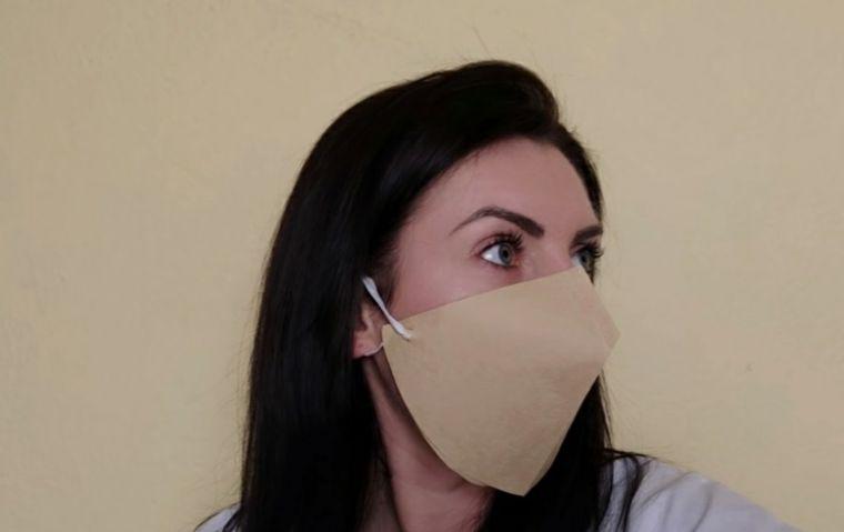 máscara protectora con filtro cafe