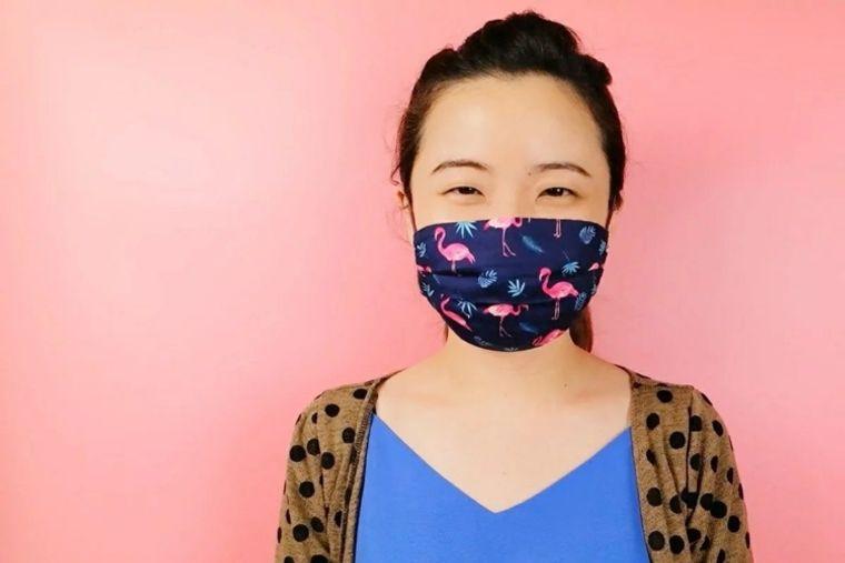 máscara protectora pliegues