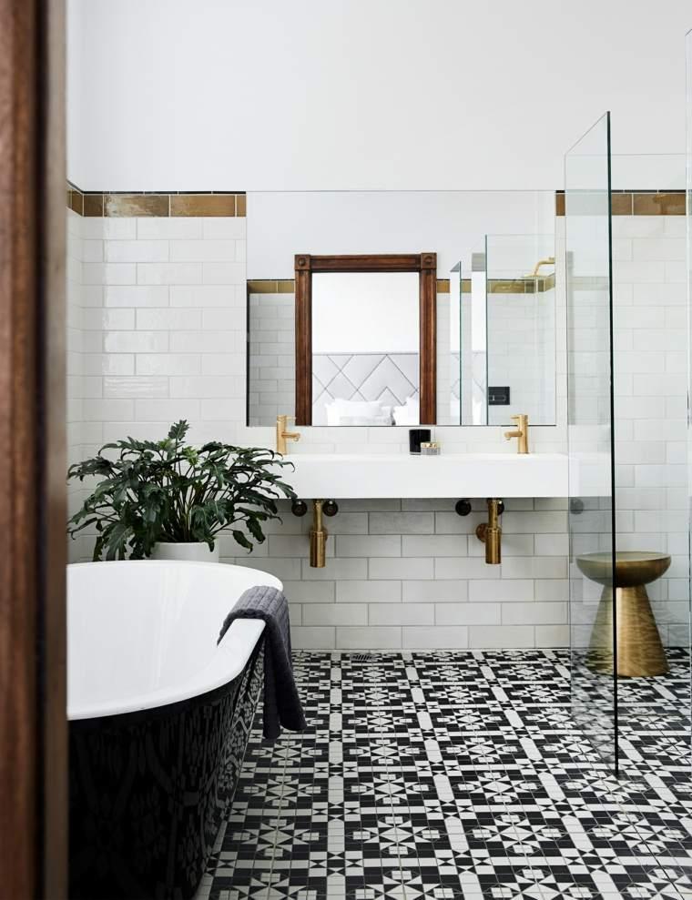 paredes de baño-losas-blancas