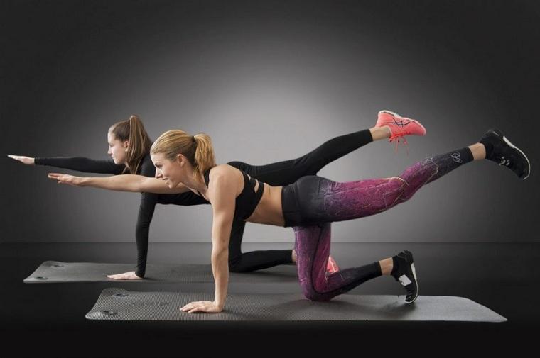 plancha-beneficios-piernas