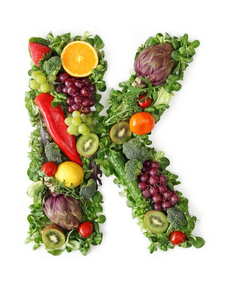 tomar-vitaminas-hora-dia-vitamina-k