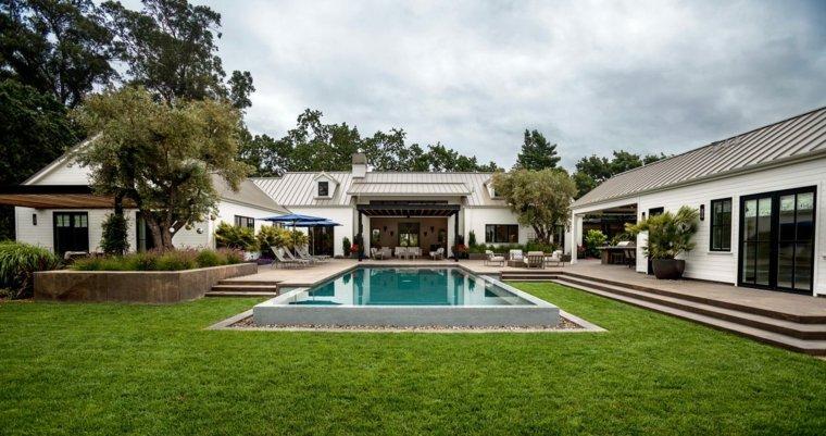 Jardines-con-piscina-casa-grande-piscina