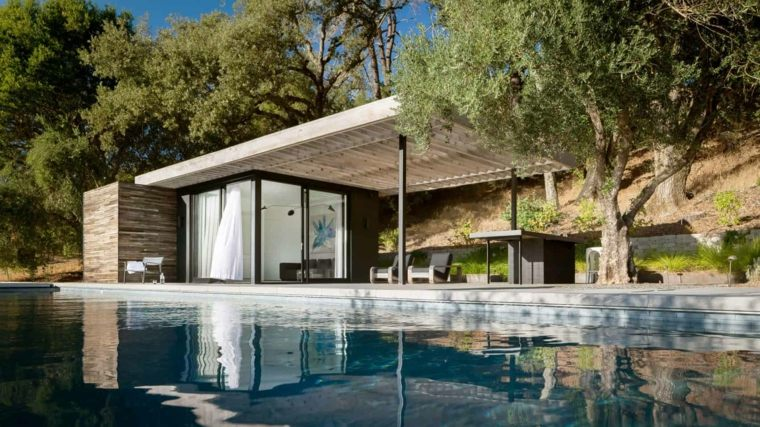 Jardines-con-piscina-casa-pequena-piscina
