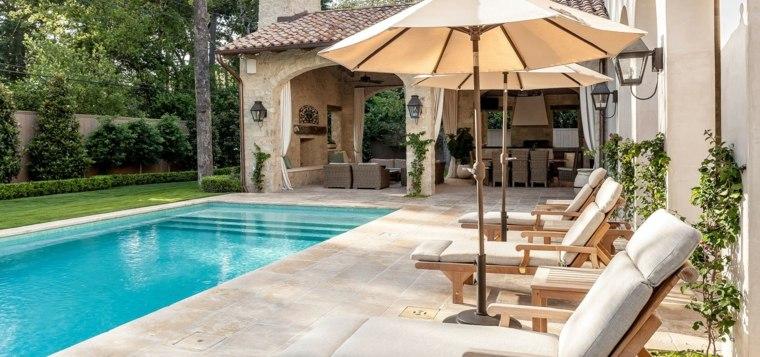 Jardines-con-piscina-exteriores-piscina-estilo