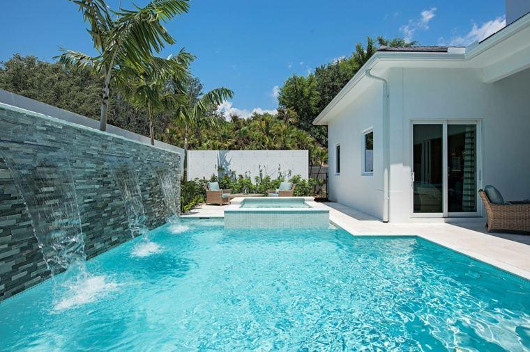 Jardines-con-piscina-ideas-fuentes-piscina-opciones