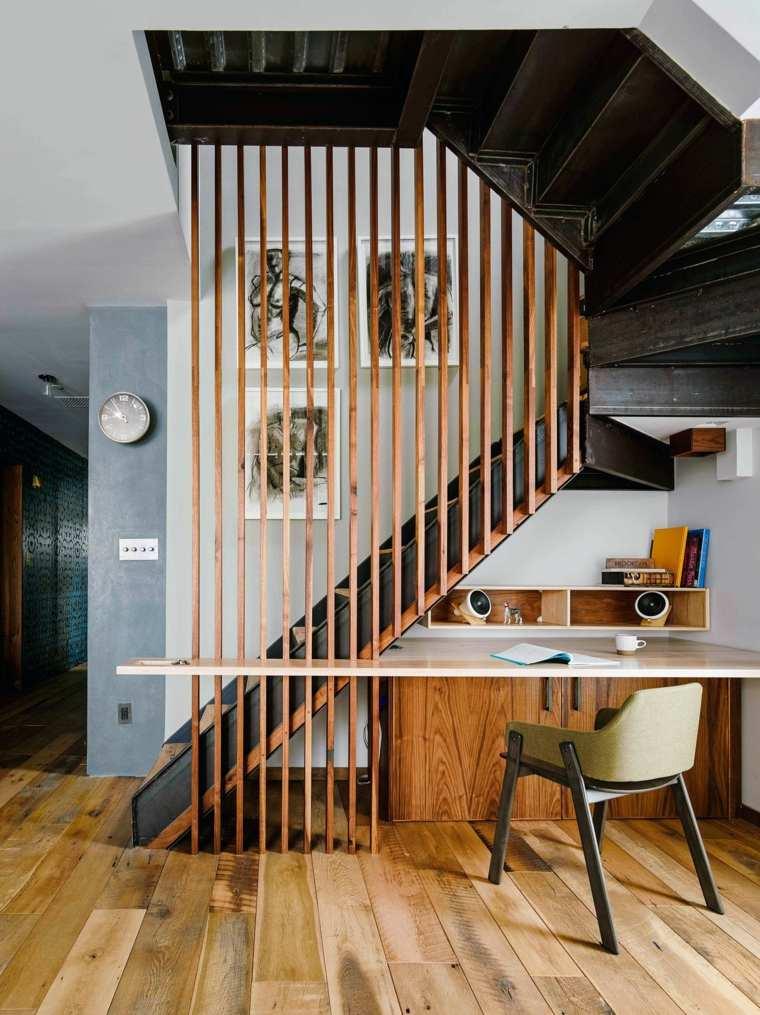 bajo escalera-oficina-moderna