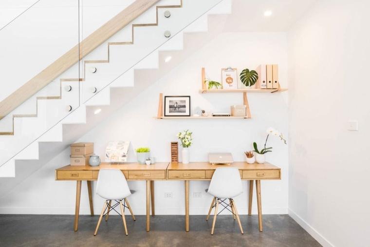 bajo-escalera-oficina-soluciones