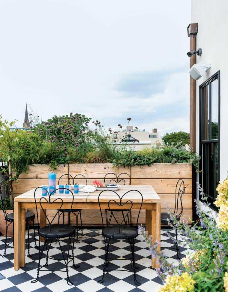 balcones-con-encanto-ideas-muebles-madera